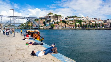 River area and cruise on the Douro river